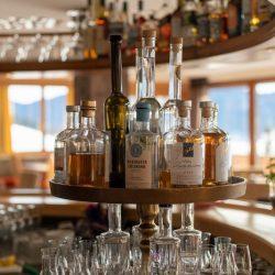 Schnäpse An Der Bar (c) Hotel Bergheimat