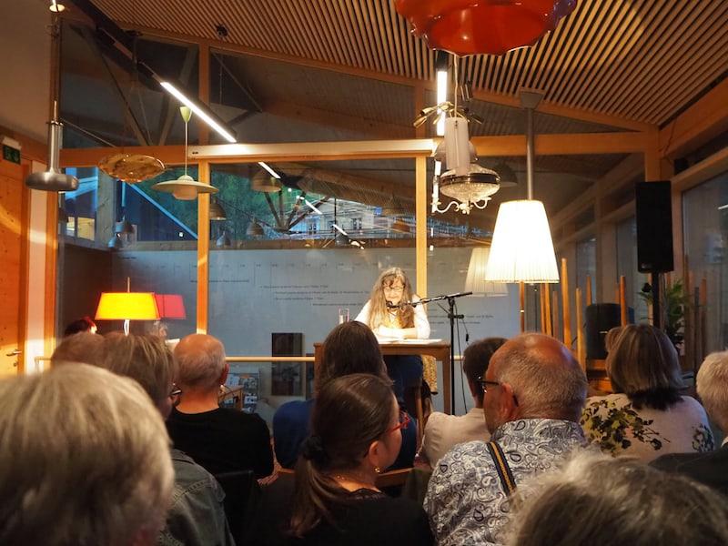 Lesung mit der preisgekrönten österreichischen Literatin Maria Hofstätter. (c) Elena Paschinger   www.CreativElena.com