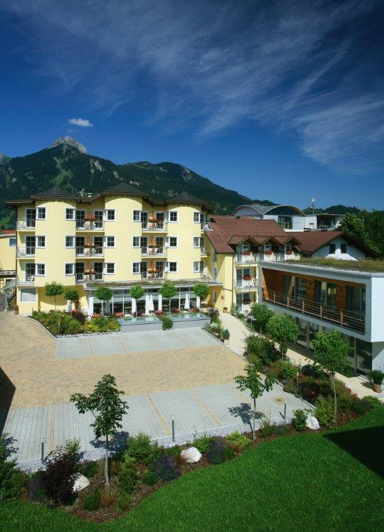 Hotel zum mohren genussreisen for Traditionelles tiroler haus