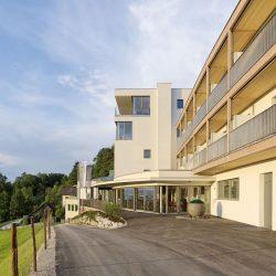 Hausansicht SPES Hotel @ Walter Ebenhofer